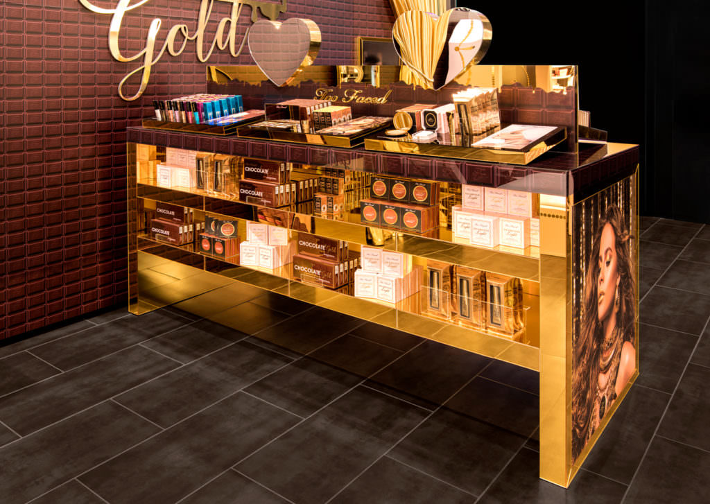 RoomOne_ChocolateGold_Display_05